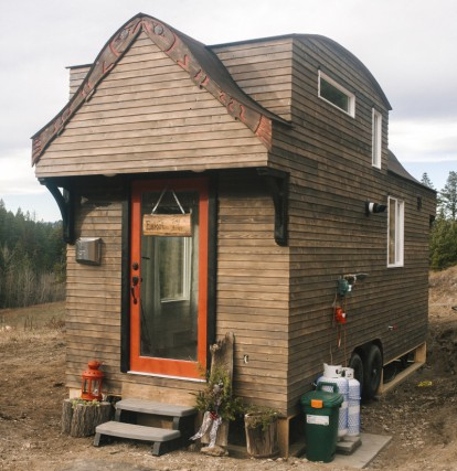 Esk'et Tiny House / Photos by Casy Bennett