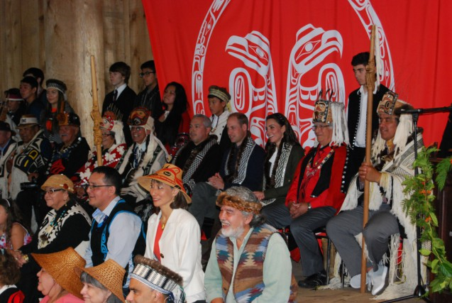 duke-and-duchess-of-cambridge-enjoying-the-haida-singers-and-dancers-on-their-visit-to-haida-territory